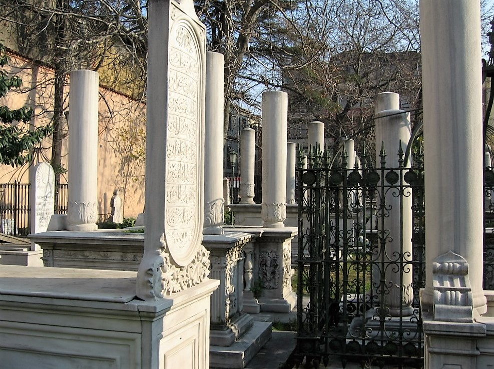 Burial sites in Istanbul