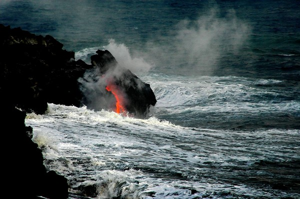 Spectacular-Views-of-Hawaii-Volcanoes-National-Park-picture-1